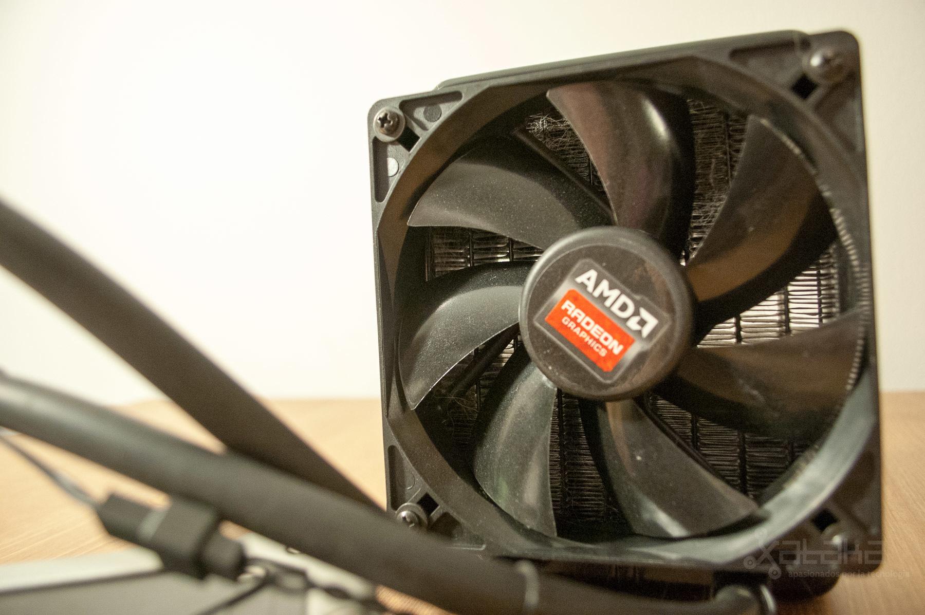 Foto de AMD R9 295X2 (6/15)
