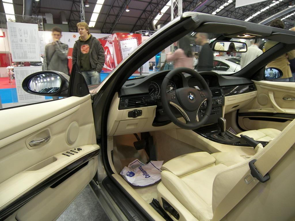 Foto de BMW 335i Cabrio en el Salón de Vigo (1/9)