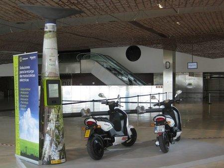 Abre la primera estación de repostaje de eléctricas en Barcelona