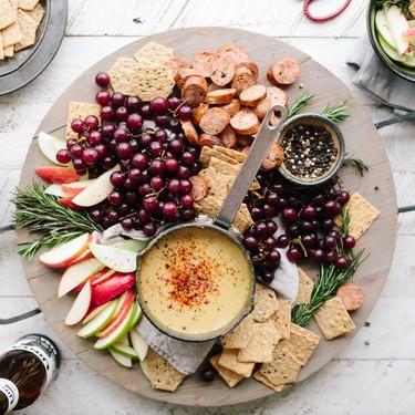 Cómo hacer la tabla de quesos perfecta para esta navidad (una experta en gastronomía nos cuenta todos sus trucos)