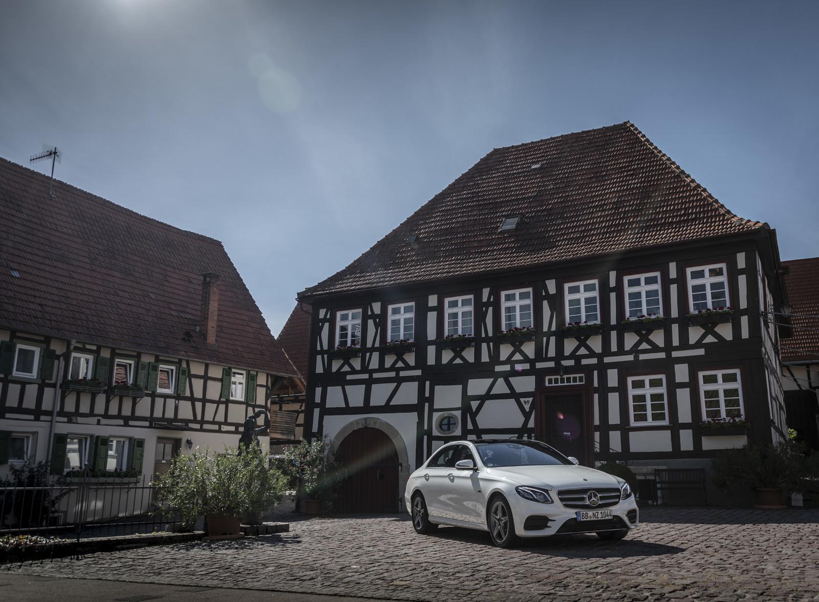 Foto de Mercedes-Benz E 300 de (presentación) (24/47)