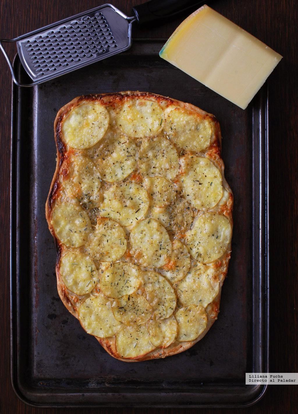 Flatbread o pan plano crujiente de patata gruy re y crema for Cocina facil para invitados