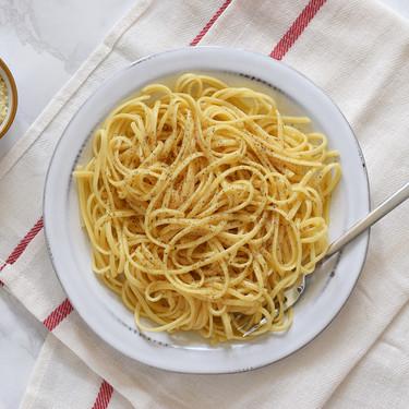 Pasta con mantequilla tostada y parmesano: receta fácil y rápida con tres ingredientes