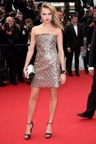 Cuando en Cannes pisan la alfombra roja las modelos, sube hasta el precio del pan