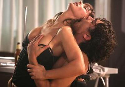 Monica Bellucci, Riccardo Scamarcio y una escena de sexo