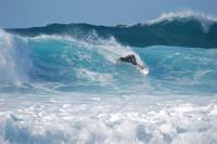 [Vídeo] Usando un drone para grabar tus mejores piruetas mientras haces surf