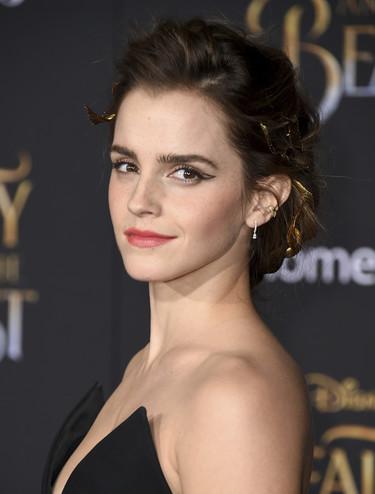 Emma Watson responde a las duras críticas y define el feminismo para quien tenga problemas a la hora de entenderlo