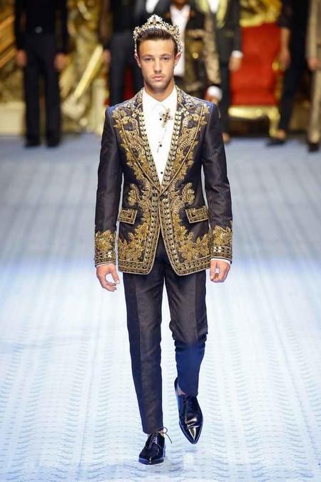 Dolce Gabbana Y Su Ejercito Millennial Apuestan Por La Inclusion En Su Coleccion 2019 En Milan 03