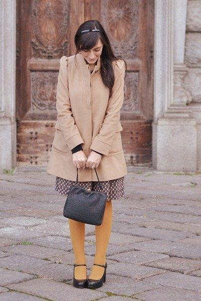 Abrigo otoño Moda en la calle