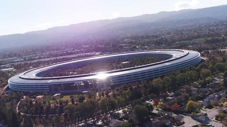 Así abre el Apple Park sus gigantescas puertas para conectar el interior con el exterior
