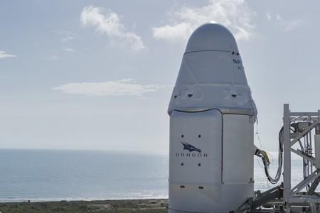 SpaceX lanza con éxito una cápsula Dragon reciclada y consigue aterrizar el cohete Falcon 9 utilizado