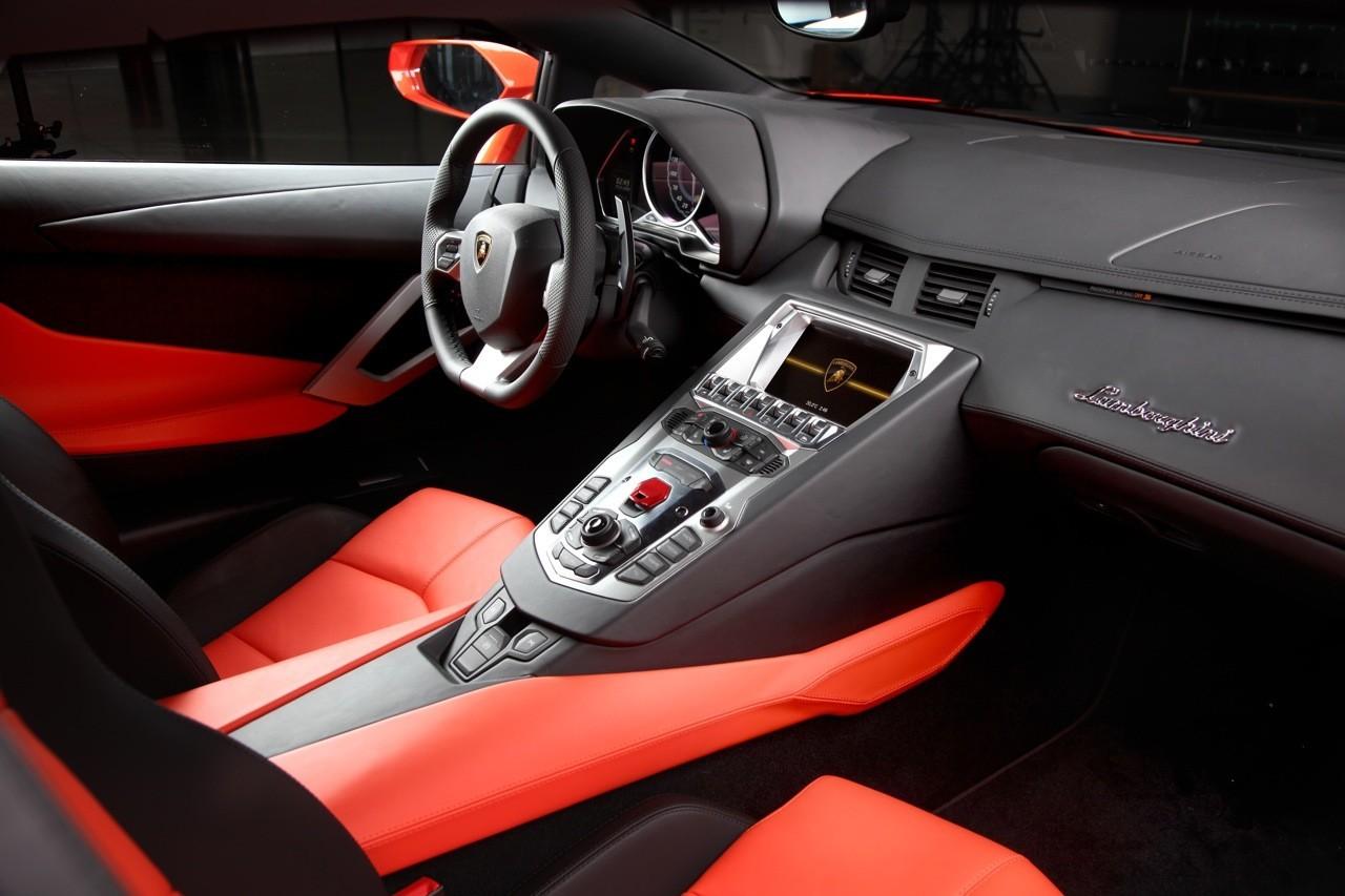 Foto de Lamborghini Aventador LP700-4 (29/62)