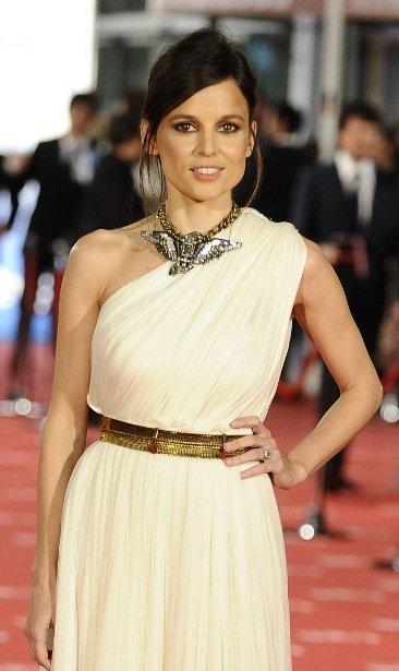 El look de Elena Anaya al estilo griego en la gala de los Goya 2012