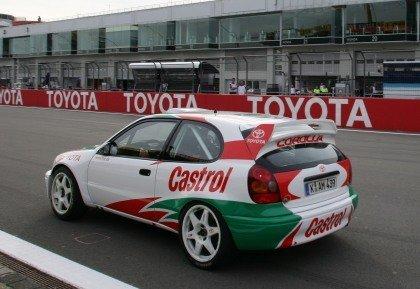 Trulli y Schumacher con el Corolla