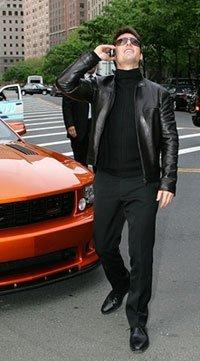 "Tom Cruise promociona ""Mission: Imposible III"" a bordo de un Saleen Mustang"