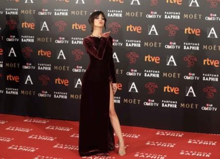 La raja interminable del vestido de Úrsula Corberó en los Goya 2016