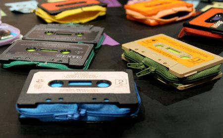 ¿De qué grupo es el cassette de tu cartera?