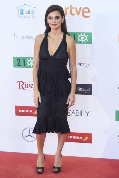 Penelope Cruz Bella Hadid Balmain Primavera Verano 2016 2