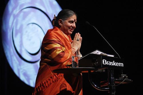 Las mentiras de Vandana Shiva: cómo las luchas campesinas acabaron convirtiéndose en una cruzada contra la ciencia