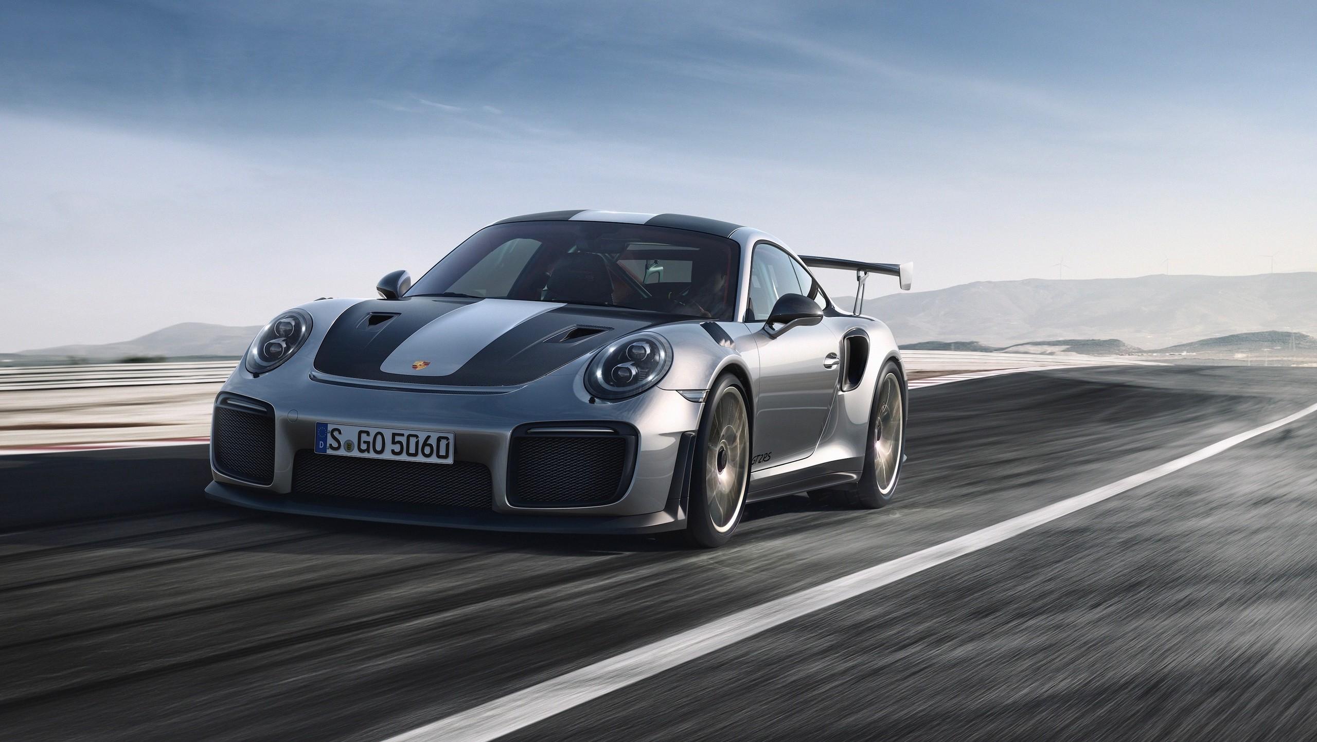 Foto de Porsche 911 GT2 RS (3/7)