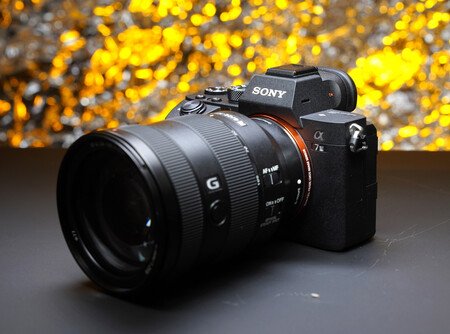 Sony A7 III, Olympus OM-D E-M1X, Fujifilm X-E3 y más cámaras, objetivos y accesorios en oferta en el Cazando Gangas