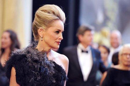 El look de Sharon Stone en los Oscars 2011