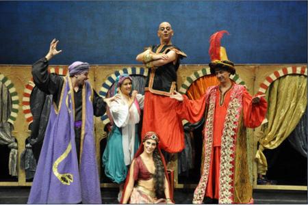 La versión de Aladino y la Lámpara en el Teatro Sanpol es para toda la familia