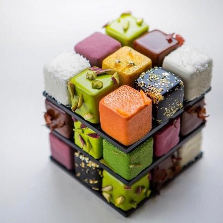 Comida de EsCultura: perfectos cubos de Rubik creados con pasteles