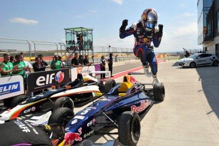 Carlos Sainz Jr. líder tras la primera ronda de la Eurocup en Motorland Aragón