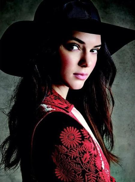 Kendall Jenner Estee Lauder 1