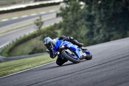 Yamaha R6 RACE 2021