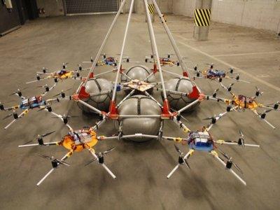 Megakopter es un dron que carga con 61 kilos, el Guinness en levantamiento