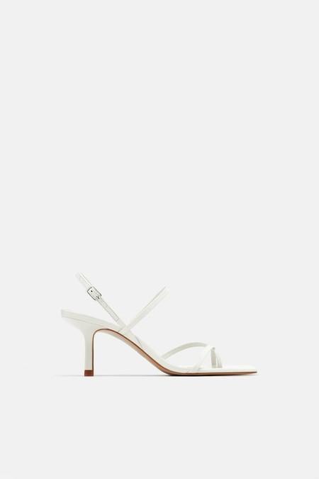 sandalia tacón medio