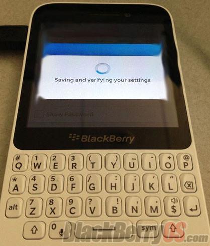 Aparece una nueva BlackBerry con teclado QWERTY, posible modelo asequible