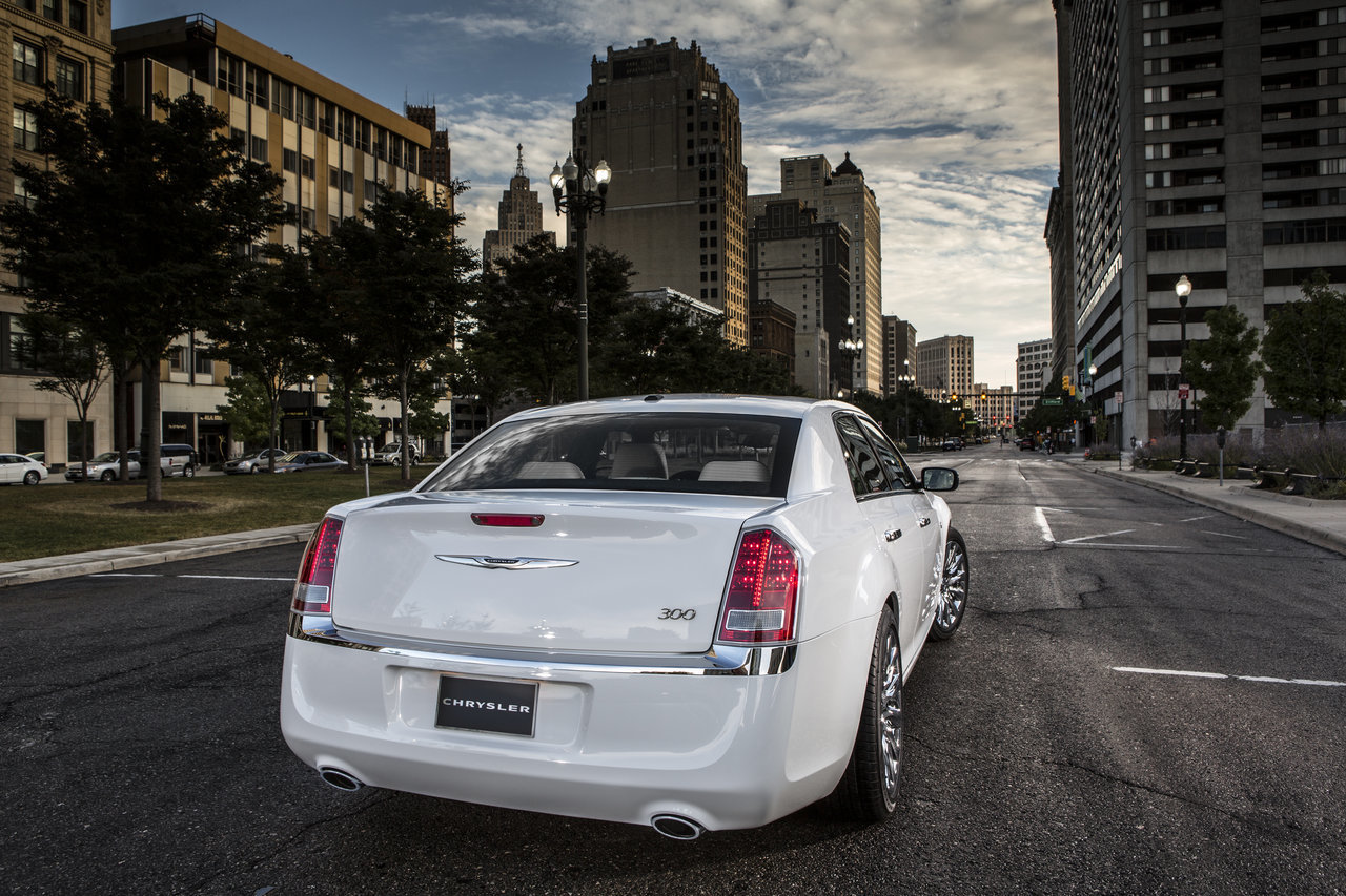 Foto de Chrysler 300C Motown Edition (7/21)