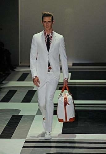 Foto de Gucci, Primavera-Verano 2010 en la Semana de la Moda de Milán (1/15)
