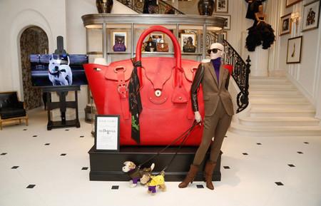 En las Galerías Lafayette se podrá admirar una versión gigante del bolso Ricky de Ralph Lauren