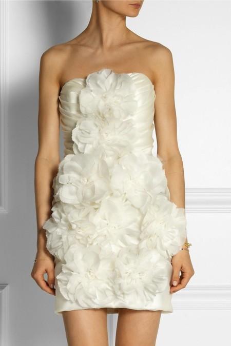 vestido corto de marchesa con peonías