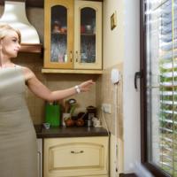 Estas persianas inteligentes te protegen de la luz y de paso generan electricidad para ahorrar en la factura eléctrica