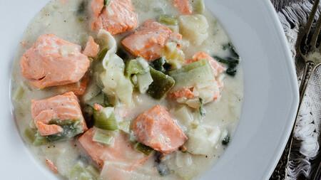 Salmón en salsa blanca. Receta sencilla de pescado