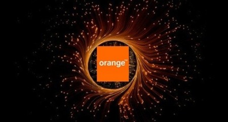 Orange reclama a la CMT el acceso a las verticales de fibra desplegadas por Movistar