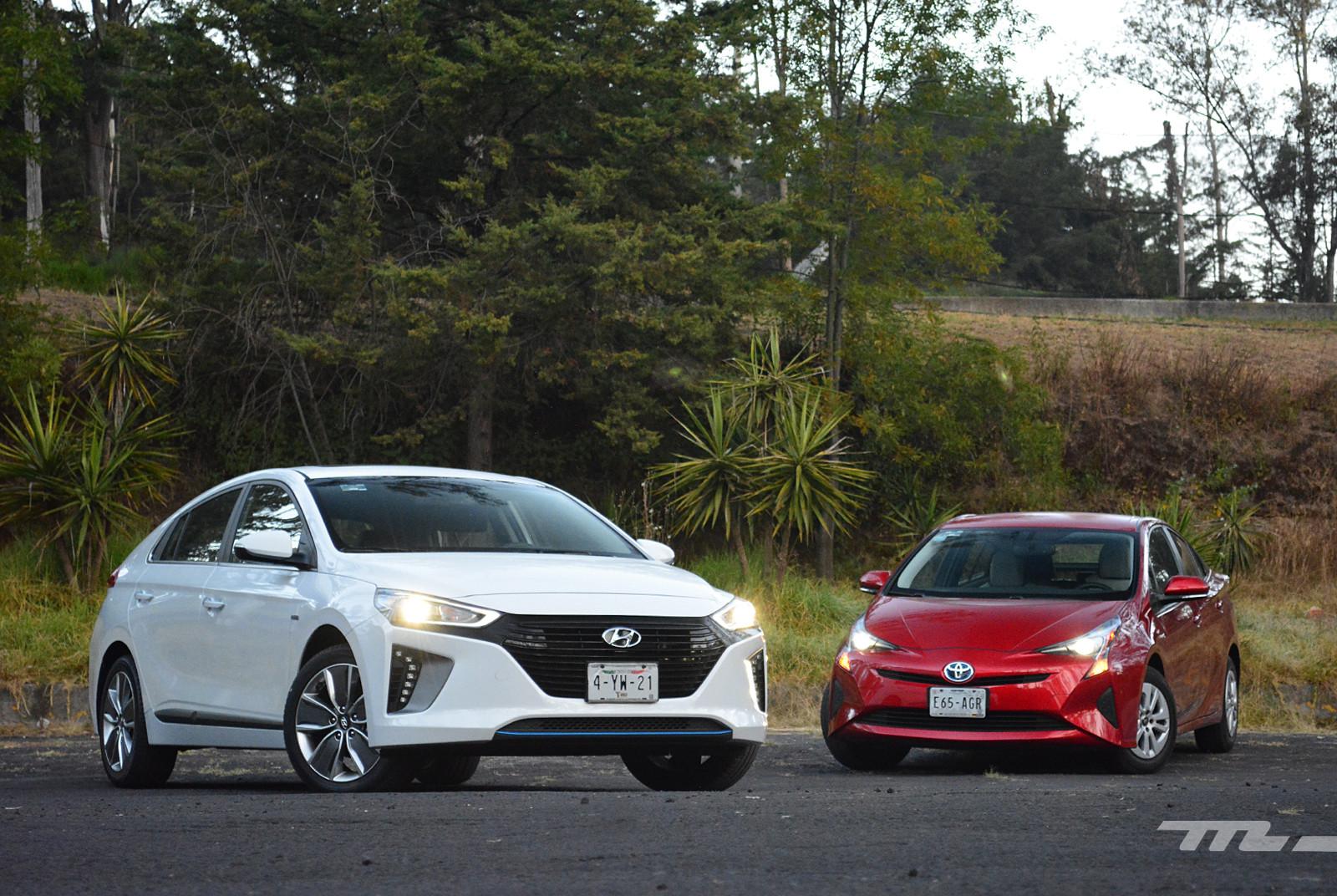 Foto de Hyundai Ioniq vs. Toyota Prius (1/22)