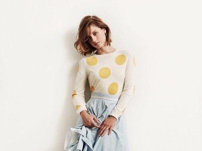 Sabemos qué vestido (de Pronovias) llevará Michelle Jenner en su anuncio con Freixenet