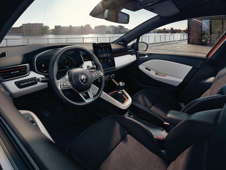 Y este es el estiloso interior del nuevo Renault Clio, con una notable mejoría en su calidad percibida (según la marca)