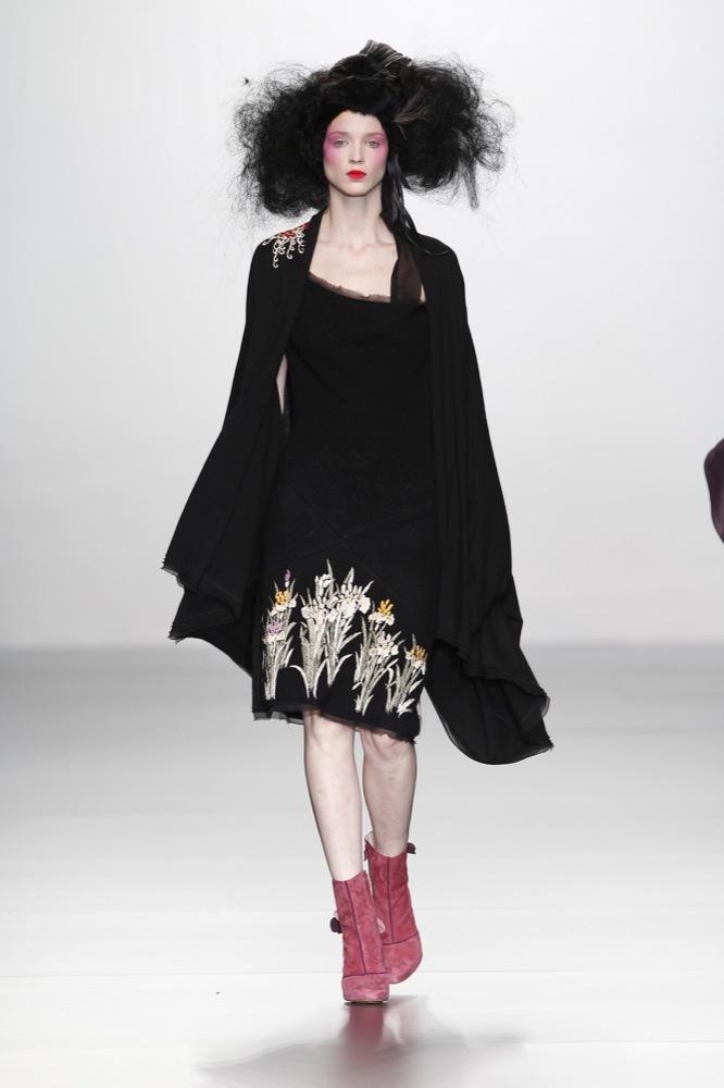 Foto de Elisa Palomino en la Cibeles Madrid Fashion Week Otoño-Invierno 2011/2012 (25/30)