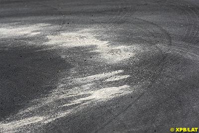 La preocupación se centra en el estado de la pista canadiense