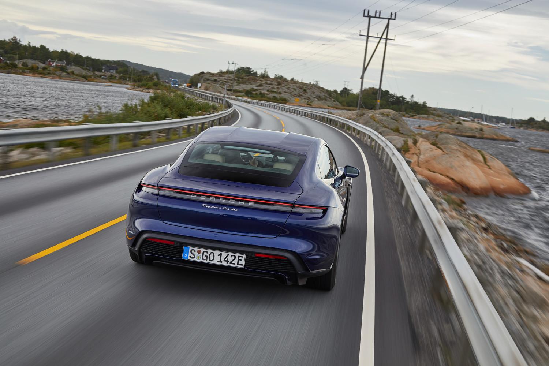 Foto de Porsche Taycan prueba contacto (25/275)