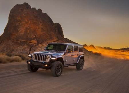 Jeep Wrangler 4xe: un off-roader híbrido enchufable con más par que un diesel y autonomía de 40 km por carga