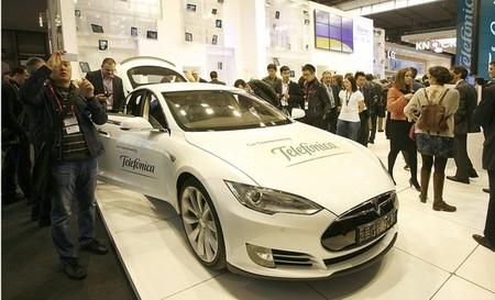 Telefónica colabora con Tesla Motors para ser su proveedor de conectividad móvil