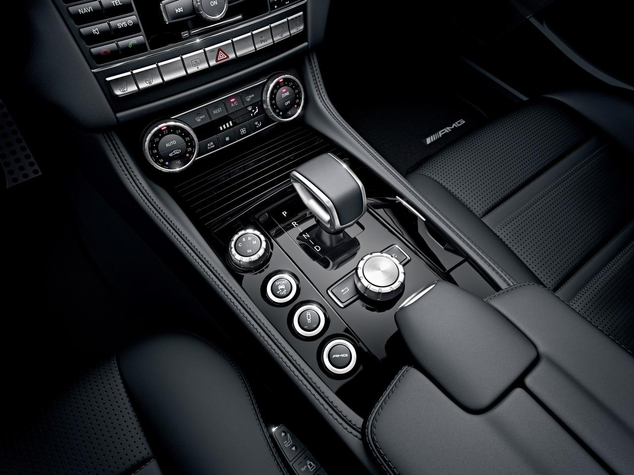 Foto de Mercedes CLS 63 AMG 2011 (28/30)